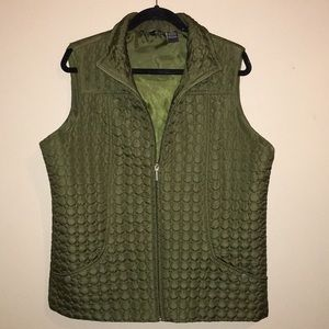 Jane Ashley zipper quilted vest